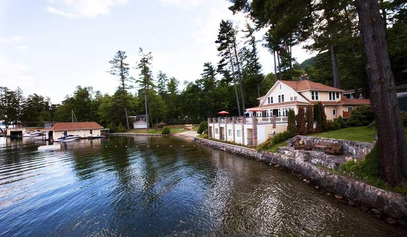 Lodge directly on lake george